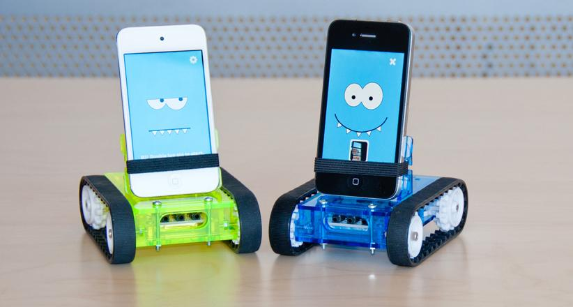 Strange-iPhone-Accessories-Romo-the-iPhone-Robot