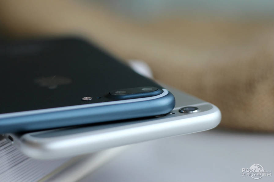 Alleged-iPhone-7-Plus-in-Deep-Blue (8)