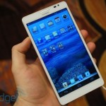 huawei-ascend-mate-hands-on-at-ces-2013