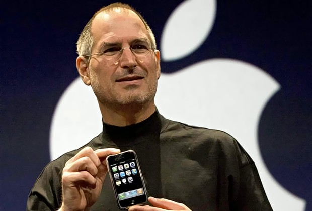 steve-jobs-photo-first-iPhone-15-sized
