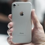 apple-iphone-7-event-2016-40-iphone-7-silver-1280x855