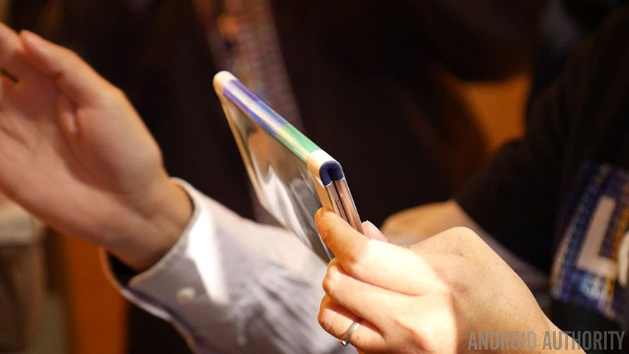 lenovo-foldable-smartphone-and-tablet-concept-first-look-7