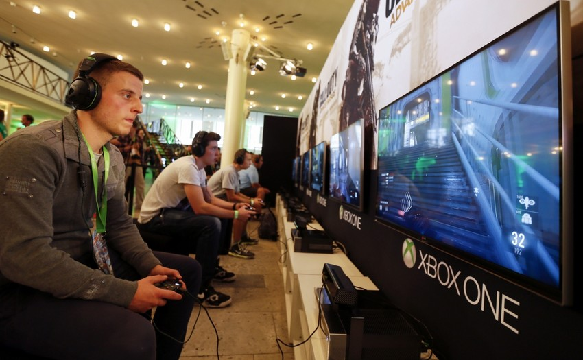 playing-xbox-one-1