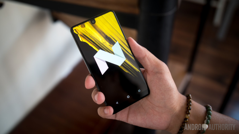 essential-phone-hands-on-72-hours-later-7-of-23-840x473