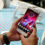 Moto-Z2-Force-Edition-hands-on-AA-6