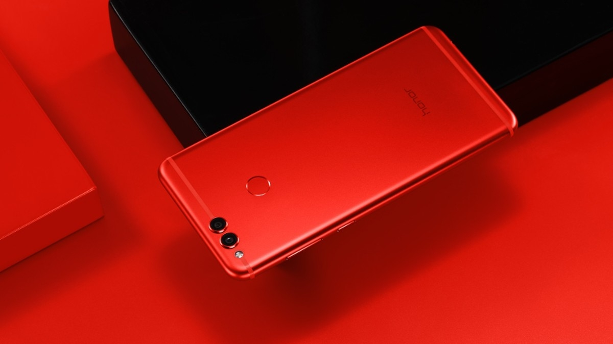 honor-7x-red-3_lifestyle_resized