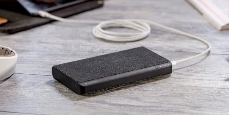 mophie-laptop-charger